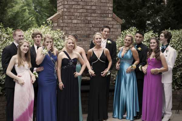 Limo party bus DFW prom group